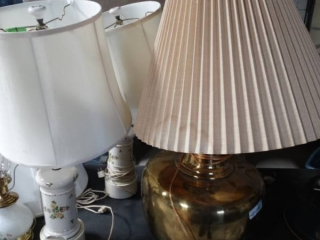 Large lamp and 2 matching lamps.