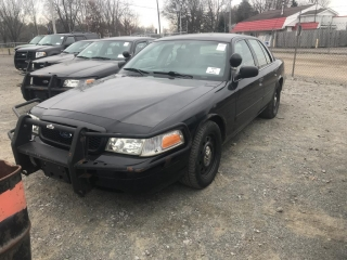2006 Ford Crown Victoria 2WD 2006 Ford Crown Victoria Police Interceptor 2W
