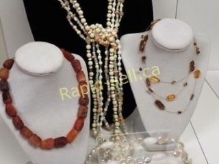 Beaded Necklace Riot!