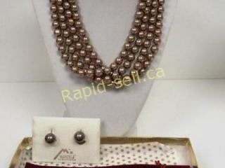 Madreperla Necklace & Earrings Set