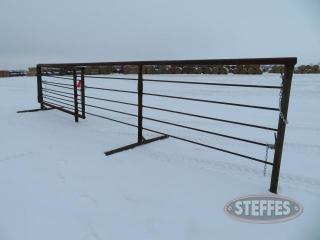 (1) Freestanding cattle panel, _1.JPG