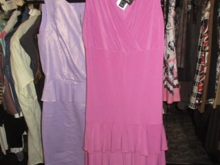 Nueva and Laundry Dresses - Size 6 - BID PRICE IS PER ITEM MUST TAKE 2 TIMES THE MONEY UNRESERVED