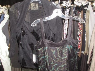 Nueva Tops - Size 4 - BID PRICE IS PER ITEM MUST TAKE 2 TIMES THE MONEY UNRESERVED