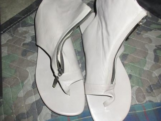 Ladies Shoes - Size 9 UNRESERVED