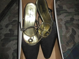 Ladies Shoes - Size 6 UNRESERVED