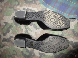 Ladies Shoes - Size 7M UNRESERVED