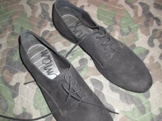 Ladies Shoes - Size 10 UNRESERVED