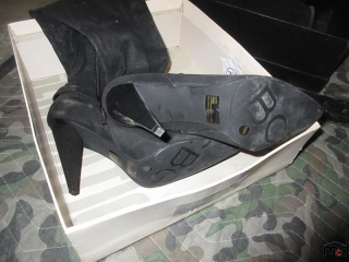 Ladies Shoes - Size 9.5M UNRESERVED