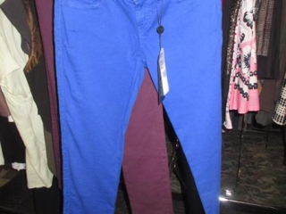 Guess Pants - Size 25 - BID PRICE IS PER ITEM MUST TAKE 2 TIMES THE MONEY UNRESERVED