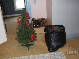Assorted-Christmas-Decor_2.jpg