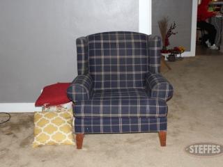 Chair-and-pillows_2.jpg