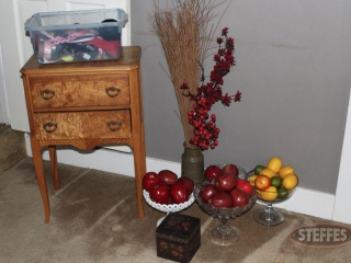 Sewing-table-and-assorted-decor_2.jpg