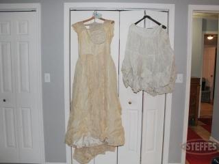 Vintage-wedding-gown--veil--garter--and-petticoat_2.jpg