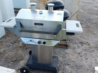 LEGACY STAINLESS STEEL GAS GRILL