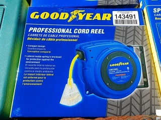 (UNUSED) GOODYEAR EXTENSION CORD REEL