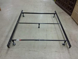 Adjustible Bed Frame, Double to Queen Size, on
