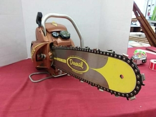 Vintage Pioneer NU-17 Chainsaw