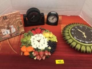 Assorted small mantel & wall clocks.