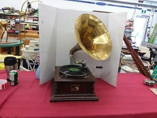 His Masters Voice Vintage Gramophone Brass Horn