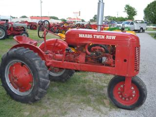 Devling Tractor and Antiques Collection - Day 2