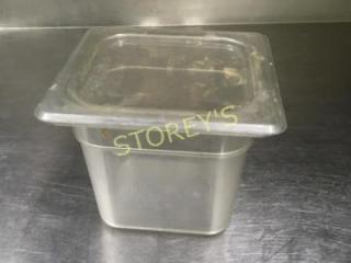 Cambro 1 6  6  Poly Insert w  lid