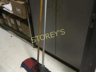 Squeegee   Push Broom