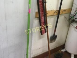 2 Brooms   Scraper