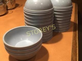 Qty Plastic Bowls