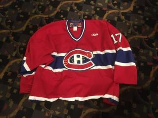 Signed Toye  17 Montreal Canadians Jersey