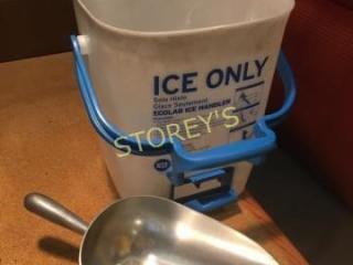 Ecolab Ice Bucket w  Scoop