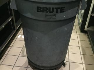 Rubbermaid BRUTE Waste Pail   Dolly