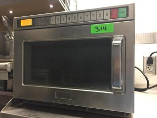 Panasonic S S 1200 Watt Comm  Microwave Oven