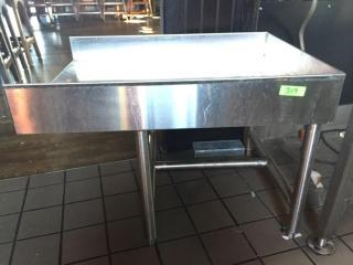 Slosh Table   34  x 25