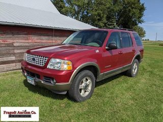 2002 Ford Explorer 4x4, 4.0 V-6 auto, runs and dri