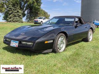 1990 Chevrolet Corvette convertible, V-8, auto tra
