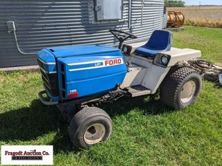 Ford LGT 195 lawn and garden tractor, twins cylind