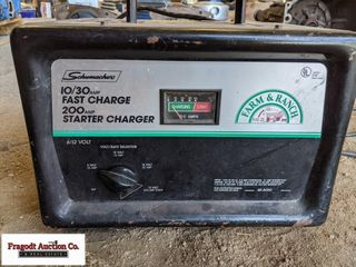 Schumacher Farm and Ranch battery charger