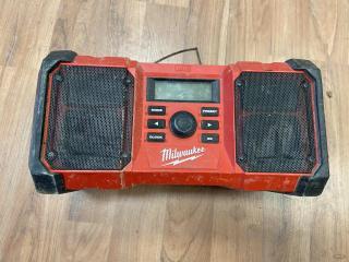 Milwaukee-M18-Jobsite-Radio_105.jpeg