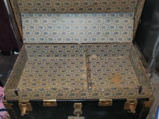 Vintage Wardobe Trunk