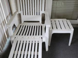 Outside Lounge Chair with Pull-out Foot Rest and Side Table