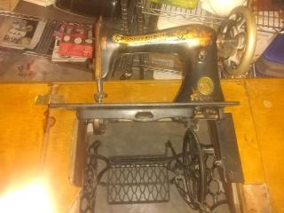 Vintage Singer Table Sewing Machine from 1887