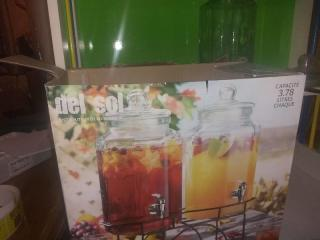 Two 3.78 Liter Drink Dispensers,Glass with Parts