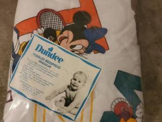 Dundee Disney Toddler Bedspread. Unopened