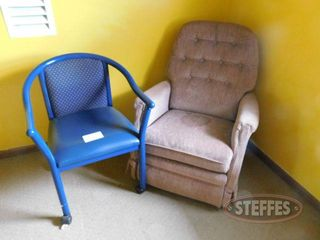 Recliner Chair on Rollers 2 jpg