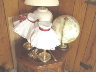 Wood End Table, 3 Lamps & Globe...