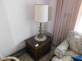 Wooden-End-Table-w--Lamp_2.jpg