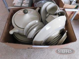 Set-of-Dishes_2.jpg