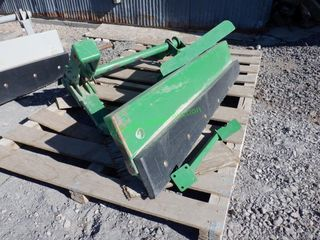 Tractor Mounted Push Up Feed Blade 6'