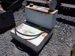 L- Shaped Fuel Tank w/ Hand Pump
