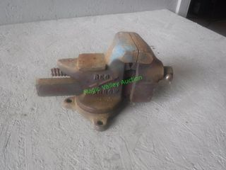 """Red Arrow 32 Bench Vise 3.5"""""""